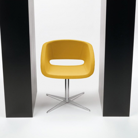 Vanity 4 Feets Conference Chair